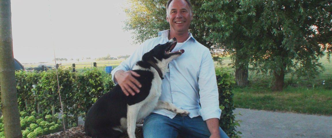 Erik Groot komt met zijn hond Roy een demonstratie schapendrijven verzorgen op Landbouwshow Opmeer